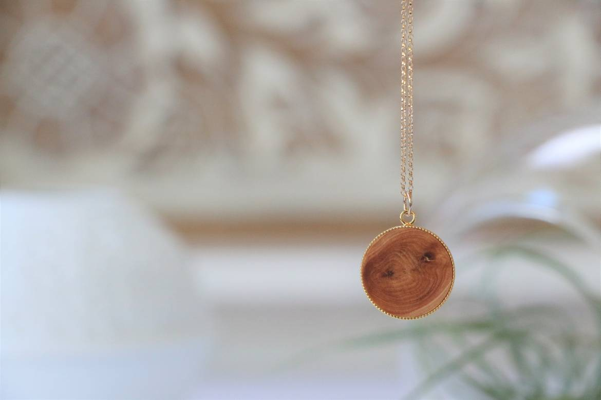Wood-Necklace-1.jpg